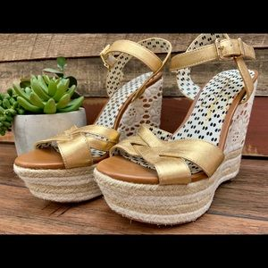 Jessica Simpson Gold and Lace Wedges size 7